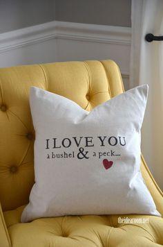 Bushel and A Peck Pillow - Best DIY, Crafts and Recipes - Diy Home Decor Crafts Stenciled Pillows, Diy Pillows, Cushions, Throw Pillows, Handmade Baby Gifts, Diy Gifts, Crafts For Teens, Diy And Crafts, Easy Crafts