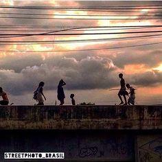 STREETPHOTO_BRASIL   @igorfreitaslima  RJ  Data: 22 Dez 2015 Seleção: @anthony_carlos09  Parabéns!!!! Marque você também para fotografias de rua #StreetPhoto_Brasil e apareça por aqui!   @StreetPhoto_Brasil #streetphotography #streetview #chiquesnourtemo #igersbrasil #galeriamink #saopaulowalk #instastreet #igers #instagrambrasil  #achadosdasemana #fotografiaderua #urban #instastreet #saopaulocity #supermegamasterpics #vscostreet #visualbrasil #ig_saopaulo_ #vscocam  #icu_brazil…