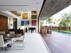 Open house to deck (M House / Ong Architects)