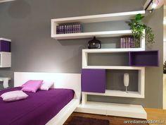 Blanco, violeta y gris