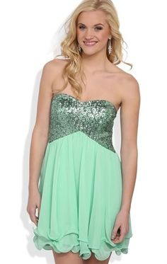 Strapless Short Prom Dress with Sequin Bra Bodice and Soft Skirt Date Dresses, Sweet 16 Dresses, Club Dresses, Cheap Dresses, Pretty Dresses, Casual Dresses, Wedding Dresses, Short Strapless Prom Dresses, Homecoming Dresses