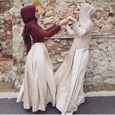 Like me n my sister New Fashion Saree, Modern Hijab Fashion, Muslim Women Fashion, Modest Fashion, Fashion Outfits, Hijab Trends, Hijab Fashionista, Casual Hijab Outfit, Hijabi Girl