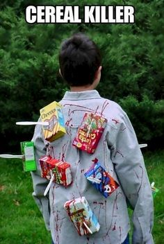 Teen Boy Halloween Costumes - These DIY Halloween Costumes for Teen Boys are perfect last minute costumes that are easy to put together.