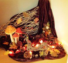 Waldorf Kindergarten, Waldorf Crafts, Seasonal Celebration, Art Area, Fall Deco, Nature Table, Autumn Nature, Samhain, Felt Crafts