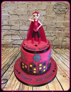 Supergirl cake - Cake by Teraza @ T's all occasion cakes