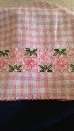 Bordado español ⚜️ Hardanger Embroidery, Hand Embroidery Stitches, Silk Ribbon Embroidery, Hand Embroidery Designs, Embroidery Applique, Cross Stitch Embroidery, Cross Stitch Borders, Cross Stitch Designs, Cross Stitch Patterns
