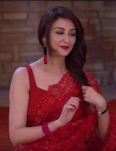Red hot saumya tandon Stylish Dresses, Sexy Dresses, Nice Dresses, Fashion Dresses, Indian Wedding Bride, Bridal Wedding Dresses, Saree Designs Party Wear, Bridal Chuda, Most Beautiful Indian Actress