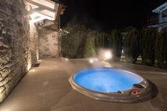 LAST MINUTE SETTEMBRE ad Assisi, B&B con SPA e Camera con Idromassaggio.Camere, Suite con Id[...] Last Minute, B & B, Tub, Relax, Outdoor Decor, Home Decor, Swiming Pool, Italia, Bathtubs