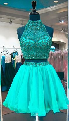 Emerald Green Two Piece Homecoming Dresses Beadings Stylish Short Tulle Prom Party Gowns