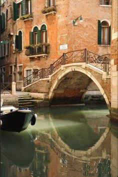 We help you make your trip to Italy, Venice memorable and interesting. We picked the most popular Venice attractions and present them to you with stunning images. Toscana, Wonderful Places, Beautiful Places, Beautiful Words, Places Around The World, Around The Worlds, Places To Travel, Places To Visit, Places In Italy