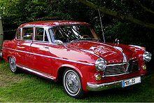 """Die """"Pullman""""-Limousine mit Stufenheck fand noch weniger Käufer. Trotz des 1955 stark verbesserten """"Pullman""""-Modells, von dem in drei Jahren 345 Exemplare entstanden, verließen in fünf Jahren nur 656 Fahrzeuge das Werk. Nachfolger der """"Pullman""""-Limousine war 1959 der """"Große Borgward"""" P 100, erster deutscher Pkw mit Luftfederung.   ===>  https://de.wikipedia.org/wiki/Borgward"""