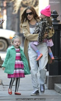 Sarah Jessica Parker blasts a user on Twitter http://www.icelebz.com/gossips/sarah_jessica_parker_blasts_a_user_on_twitter/