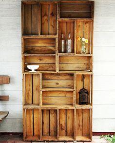 Crie uma estante rústica reutilizando caixotes de feira <3 #DIY