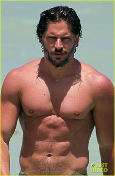 Joe Manganiello: Shirtless in Miami! I can't handle it.