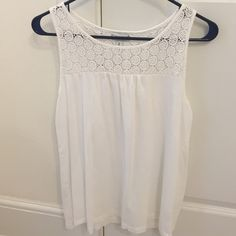 White tank top Great condition Old Navy Tops Tank Tops