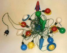 Vintage Christmas Lights, Christmas Light Bulbs, Christmas Toys, Christmas Ornaments, Drop Earrings, Retro, Holiday Decor, Holidays, Christmas Bulbs