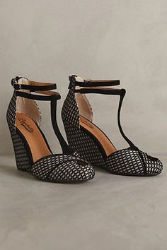 Seychelles Catch A Glimpse Wedges anthropologie.com #anthrofave