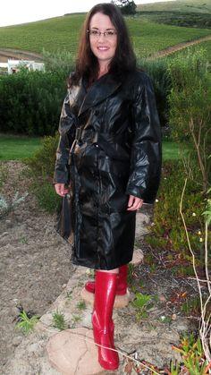 Rain coat For Women - - - Rain coat Navy - Rain coat Fashion Raincoat Black Raincoat, Raincoat Outfit, Yellow Raincoat, Hooded Raincoat, Black Rain Jacket, Rain Jacket Women, Wellies Rain Boots, Rubber Raincoats, Rain