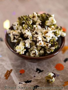 matcha popcorn - freshly popped popcorn, granulated sugar, raw pumpkin seeds, matcha, corn syrup, coconut oil, vanilla extract, dark chocolate