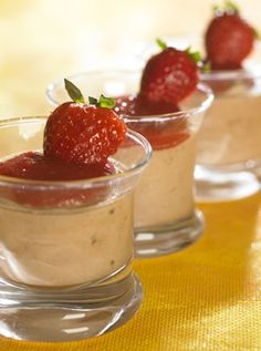 Nougatmousse med jordbær | Familie Journal
