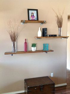 5 Mighty Clever Tips: Floating Shelves Diy Decor floating shelves diy desk.How To Build Floating Shelves Woodworking floating shelf decor mirror.Floating Shelves Vanity Small Spaces.. Floating Shelf Mantle, Floating Shelves Bedroom, Reclaimed Wood Floating Shelves, Floating Shelves Kitchen, Ikea Closet Storage, Shelf Ideas, Wall Ideas, Room Ideas, Family Rooms