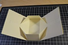 紙を折って箱にする方法☆知って得するお手軽ペーパーギフトボックス | CRASIA(クラシア)