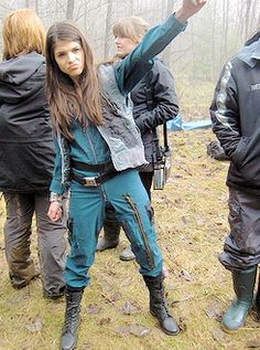 Marie Avgeropoulos    The 100 cast behind the scenes    Octavia Blake