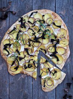 Hvid pizza med kartoffel, løg og trompetsvampe Vegetable Pizza, Broccoli, Zucchini, Vegetables, Budget, Vegetable Recipes, Budgeting, Veggies