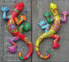 Clay Fish - fun to make for grandma and grandpa - Salvabrani Paper Mache Crafts, Clay Crafts, Diy And Crafts, Arts And Crafts, Deco Cuir, Paperclay, Mexican Art, Aboriginal Art, Animal Sculptures