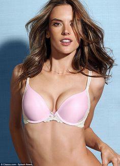 La sexy Alessandra Ambrosio en ropa interior