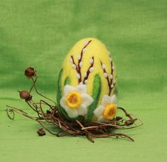 Needle felted Easter egg is about 3.5 (8 cm) tall. Easter egg is handmade with love from 100% merino wool. This needle felted Easter egg is not the one you will get. Every egg is made to order, one of a kind but made as close to the one on the photos as possible. Wool Easter egg