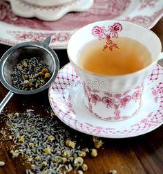 Chamomile & Lavender Tea recipe - Celebrating everyday life with Jennifer Carroll Café Chocolate, Lavender Tea, Cuppa Tea, Tea Sandwiches, My Cup Of Tea, Cacao, Tea Recipes, Iced Tea, High Tea
