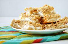 Too Much Baking: Drobenkový koláč s tvarohem a jablky