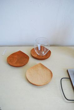 chestnut-shape wood trays Wood Tray, Wood Bowls, Kitchen Wood, Kitchen Dining, Kitchen Containers, Kitchenware, Tableware, Wooden Plates, Woodturning