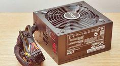 Power Supply Nedir? Türkçe anlamı Güç Kaynağı olan bu donanım, şehir şebekesinden aldığı elektriği bilgisayar parçalarına uygun enerjiye çeviren temel bileşendir. Şebekeden gelen akım AC olarak 220V şeklinde gelir. Güç Kaynağı bunu 3.3V, 5V ya da 12 Volt'luk DC akıma dönüştürerek elektrik enerjisini bilgisayara uyarlar. Bilgisayar kasaların modellerine göre güç kaynağı çeşitleri değişebilir. Örneğin ATX …