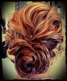 Gorgeous up-do hairstyle! great for a bride or a wedding guest ♡ Lizzie Simpson Bridesmaid Hair, Prom Hair, Messy Hairstyles, Pretty Hairstyles, Wedding Hair And Makeup, Hair Makeup, Her Hair, Wavy Hair, Hair Dos