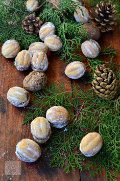 Nuci umplute cu crema - CAIETUL CU RETETE Stuffed Mushrooms, Vegetables, Food, Stuff Mushrooms, Essen, Vegetable Recipes, Meals, Yemek, Veggies