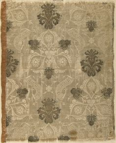 Italian textile with brocade, silk, gold thread, 15th century.