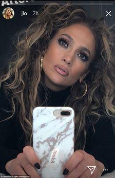 Jennifer Lopez performs in Las Vegas for Calibash Jennifer Lopez Love, Jennifer Lopez Makeup, Jlo Glow, Jlo Makeup, Beauty Makeup, Hair Beauty, Honey Hair, Brown Blonde Hair, Selfie