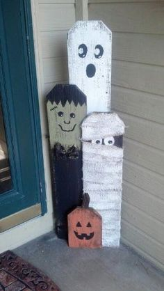 Trick or treating fence pickets -- so cute! by Beverly Johnson Martindale