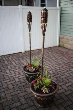 Backyard patio lighting inspiration! #outdoorliving #outdoorpatio #simpleoutdoorliving #patiolighting #patiodiy