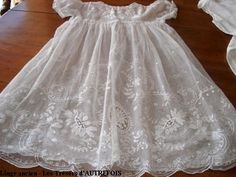 gorgeous lace gown!