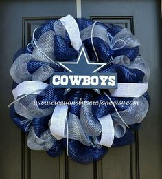 Dallas Cowboys Wreath lets make these @Danette Lamplugh Silva