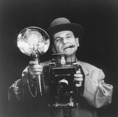 JOE PESCI (and a *great* Speed Graphic camera)