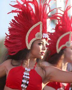 "TEVAKANUI on Instagram: ""Hokulani from our Vahine class. 📸: @tfgphoto #TEVAKANUI #MATUTU #PureAloha2018 #TFGphoto #VizzunEntertainment #OriTahiti #TheLordsPrayer…"" Polynesian Girls, Polynesian Dance, Polynesian Designs, Polynesian Tribal, Polynesian Culture, Dance Costumes, Carnival Costumes, Tahitian Costumes, Tahitian Dance"