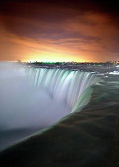 ✮ Niagara Falls By Night - Cool Pic!