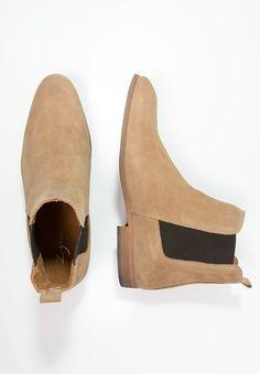 Chaussures Zign Bottines - beige beige: € chez Zalando (au Livraison et retours gratuits et service client gratuit au 0800 915 Fly Boots, Mens Shoes Boots, Mens Boots Fashion, Suede Shoes, Leather Boots, Shoe Boots, Men's Shoes, Ankle Boots, Boots Beige