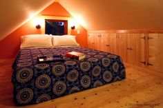 A small but usable loft in a small house. Queen size bed, high loft with built in storage. Tiny House Loft, Tiny House Swoon, Attic House, Attic Renovation, Attic Remodel, Bungalows, Attic Rooms, Attic Playroom, Attic Office