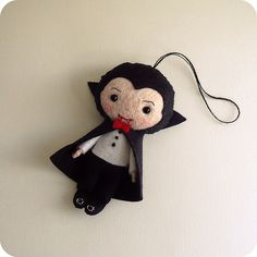 count dracula by Gingermelon crafts halloween felt fieltro muñeco plushie cute kawaii