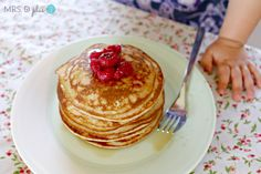Healthy banana oat pikelets in the Thermomix Thermomix Recipes Healthy, Hcg Recipes, Baby Food Recipes, Sweet Recipes, Recipies, Banana Oat Pancakes, Banana Oats, Sugar Free Baking, Quirky Cooking